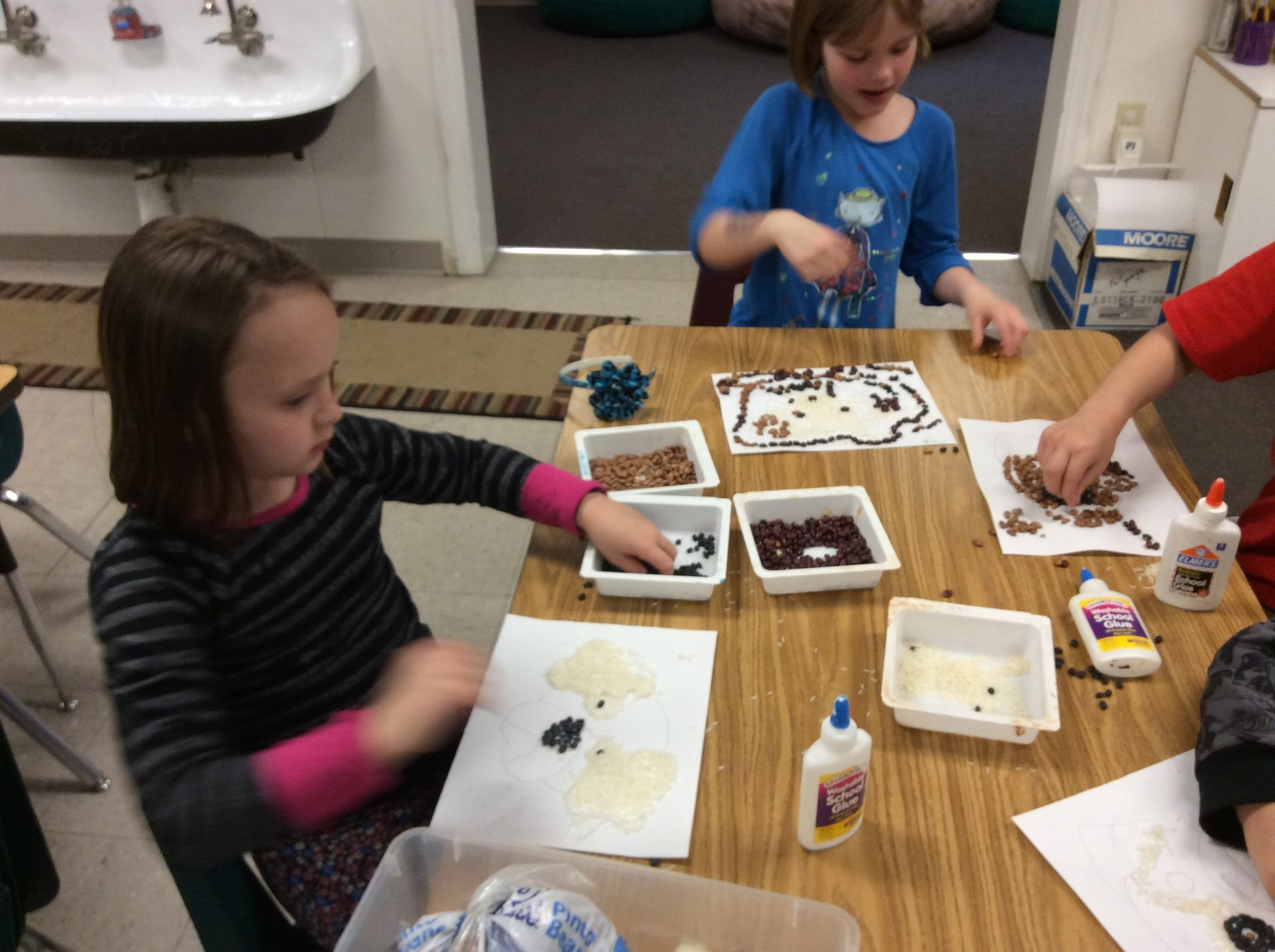 children doing crafts