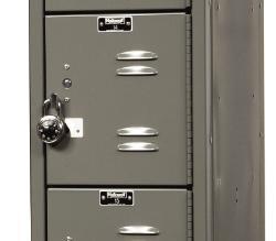 locker con candado.jpg