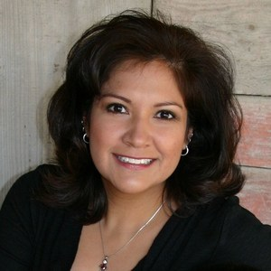 Claudia Nevares's Profile Photo