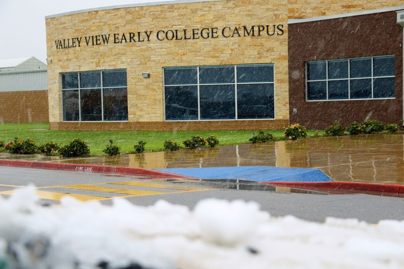 The white element has made its presence at ECC.   That's right! It is Snowing! Thumbnail Image