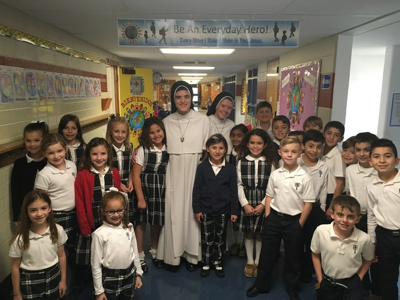 Dominican Sisters of Mary, Mother of the Eucharist visit HFRS Featured Photo