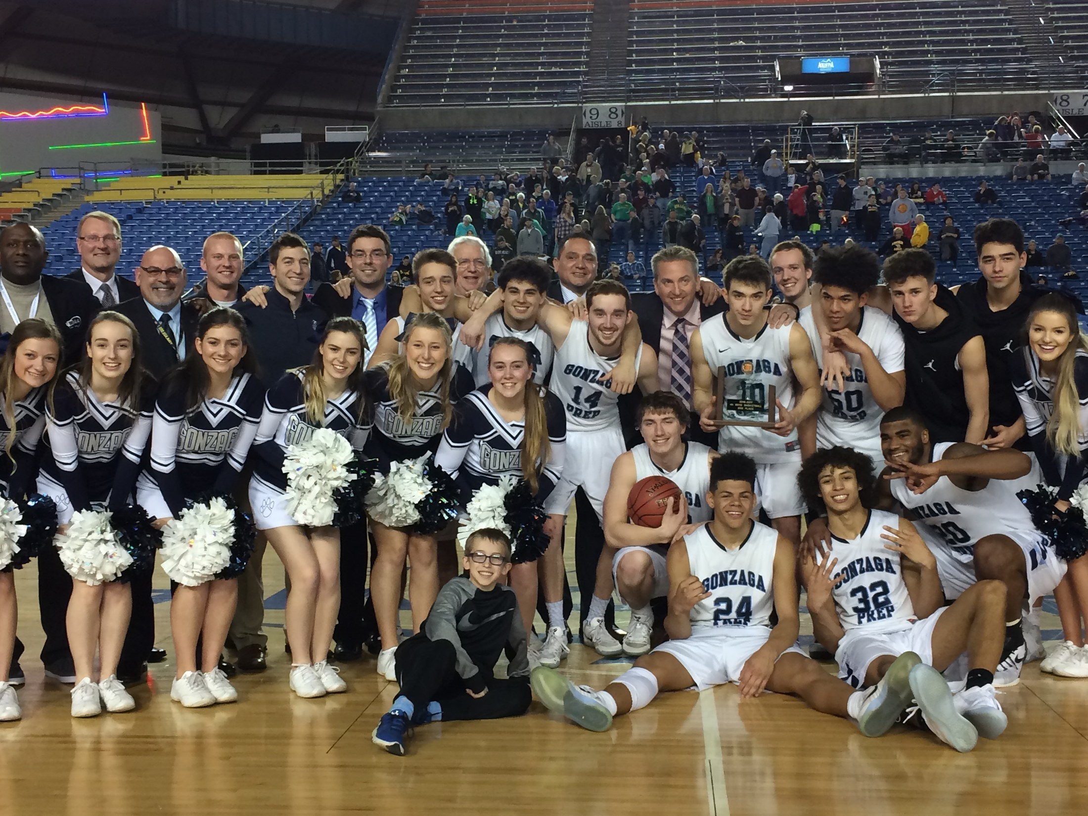 boys basketball 3rd place at state