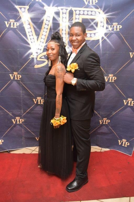 studeStudents pose for photo at the Invictus High School 2017 prom