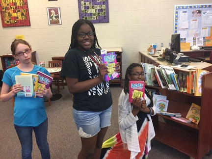 7th Graders Receive free books!