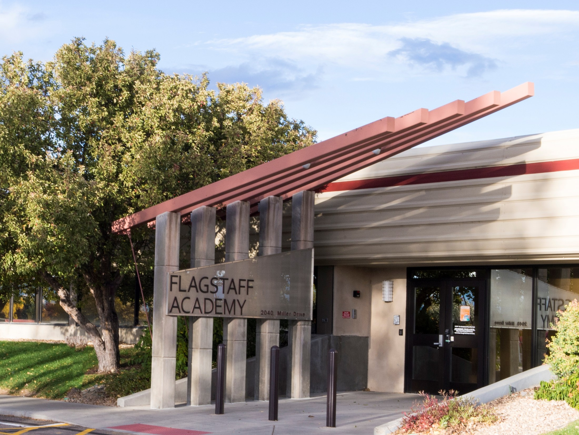 Photo of front of Flagstaff Academy