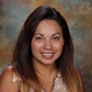 Anna Flores's Profile Photo