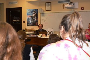 A Paraguayan opera singer visits the OLSH concert choir.
