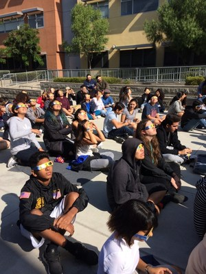 VAAS students watching solar eclipse