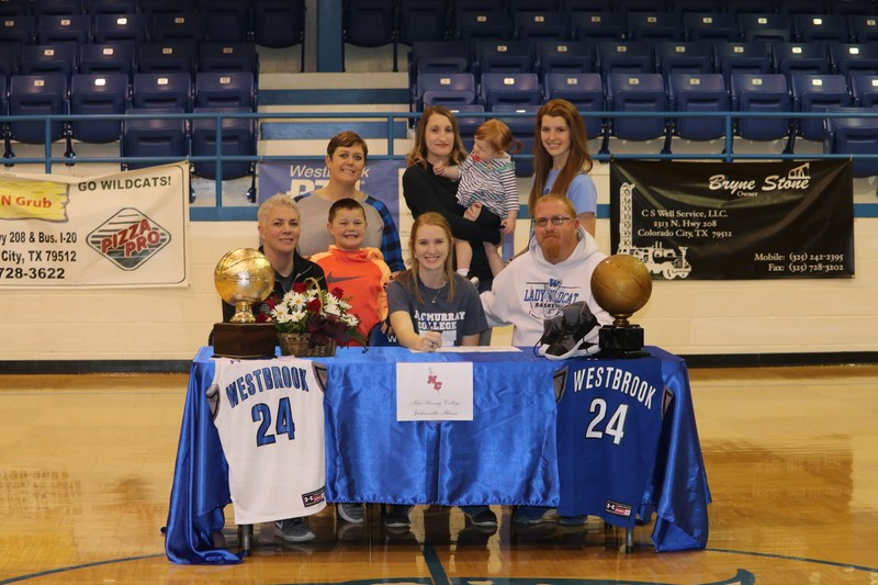 Kierra Witte Signs With MacMurray College, Jacksonville, Illinois Featured Photo