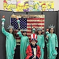 5 Von Renner Students dressed up as the Statue of Liberty and Uncle Sam at  National History Day