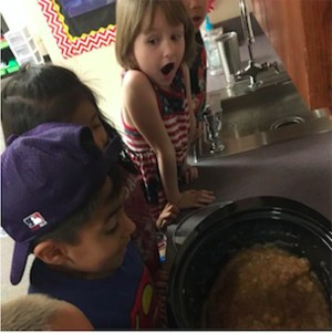 Kindergarten Students Make Apple Sauce, use five senses