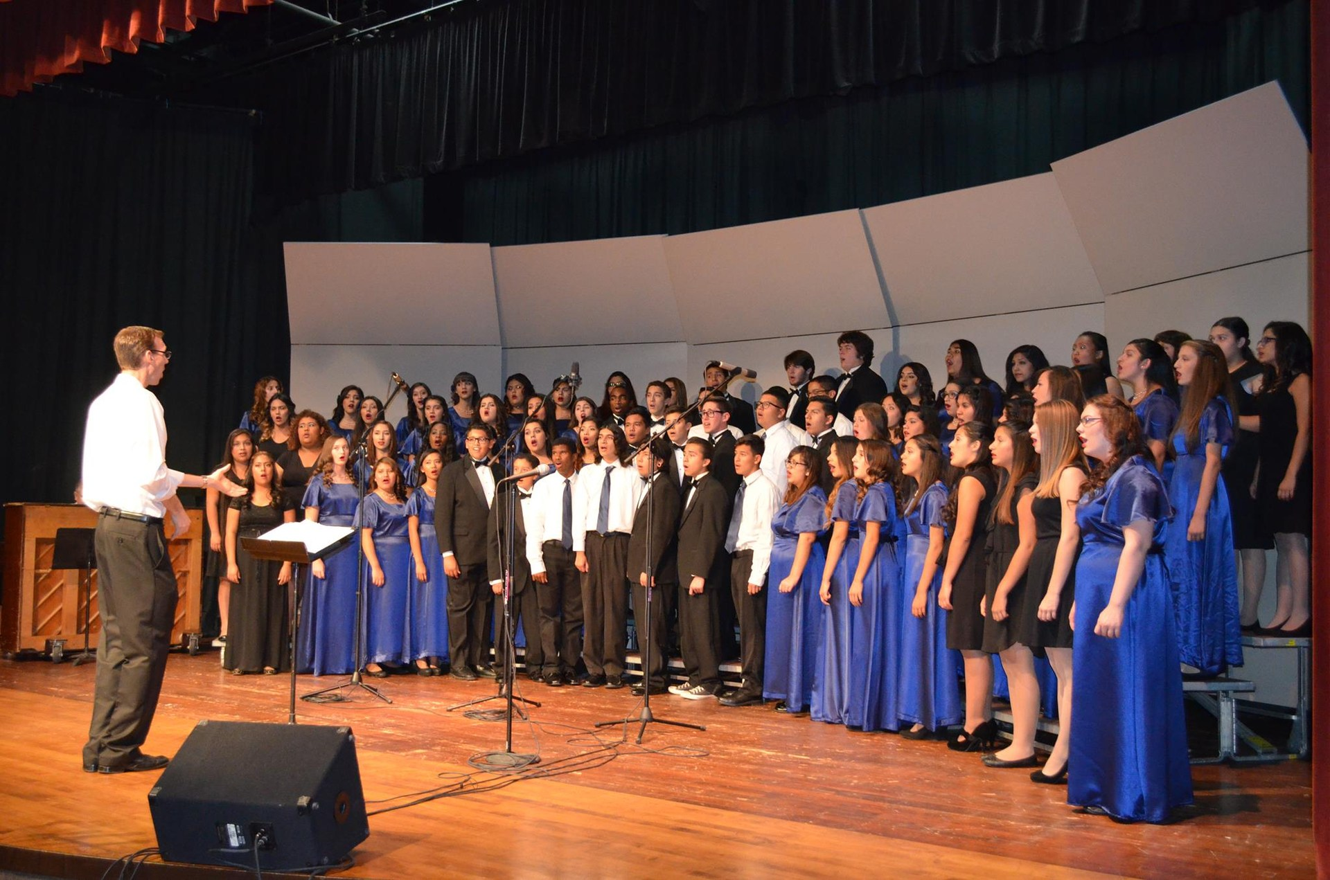 Cal Hi Choirs in Performance