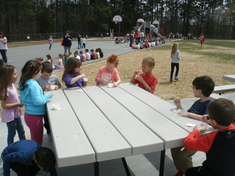 Students celebrate the new Outdoor Classroom Space with an ice cream party!