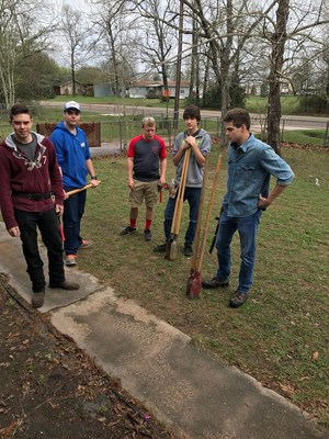 Coldspring students build ramp for SJC Vet
