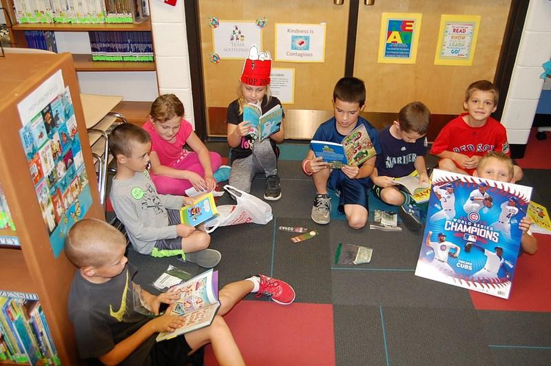 Students visit annual Fall Book Fair at Southwest Thumbnail Image