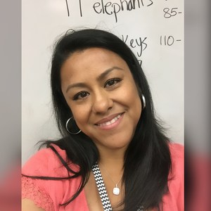 Alicia Solis's Profile Photo