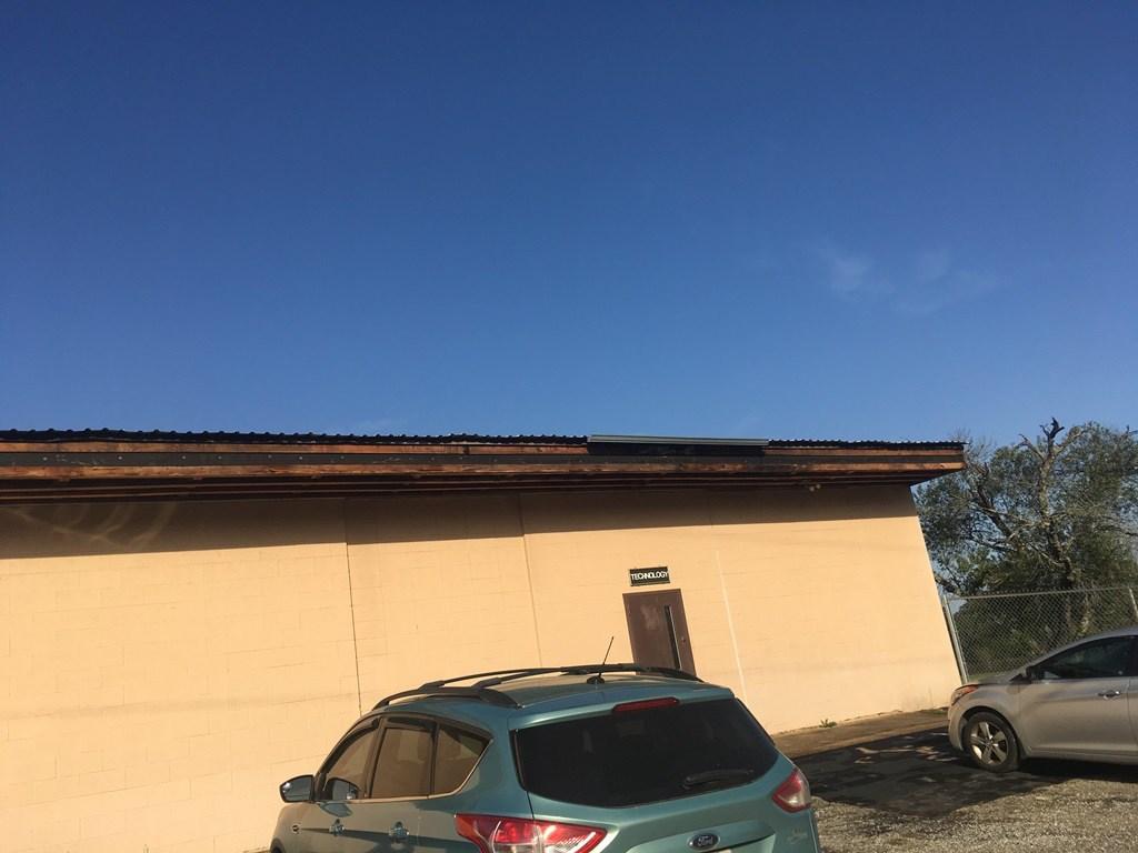 Jones Roof edge at Technology