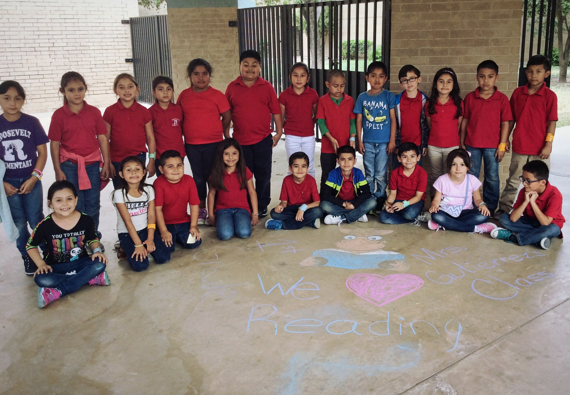 1st grade showing their love for reading