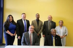 KHSD and SCUB meet for dual enrollment event.