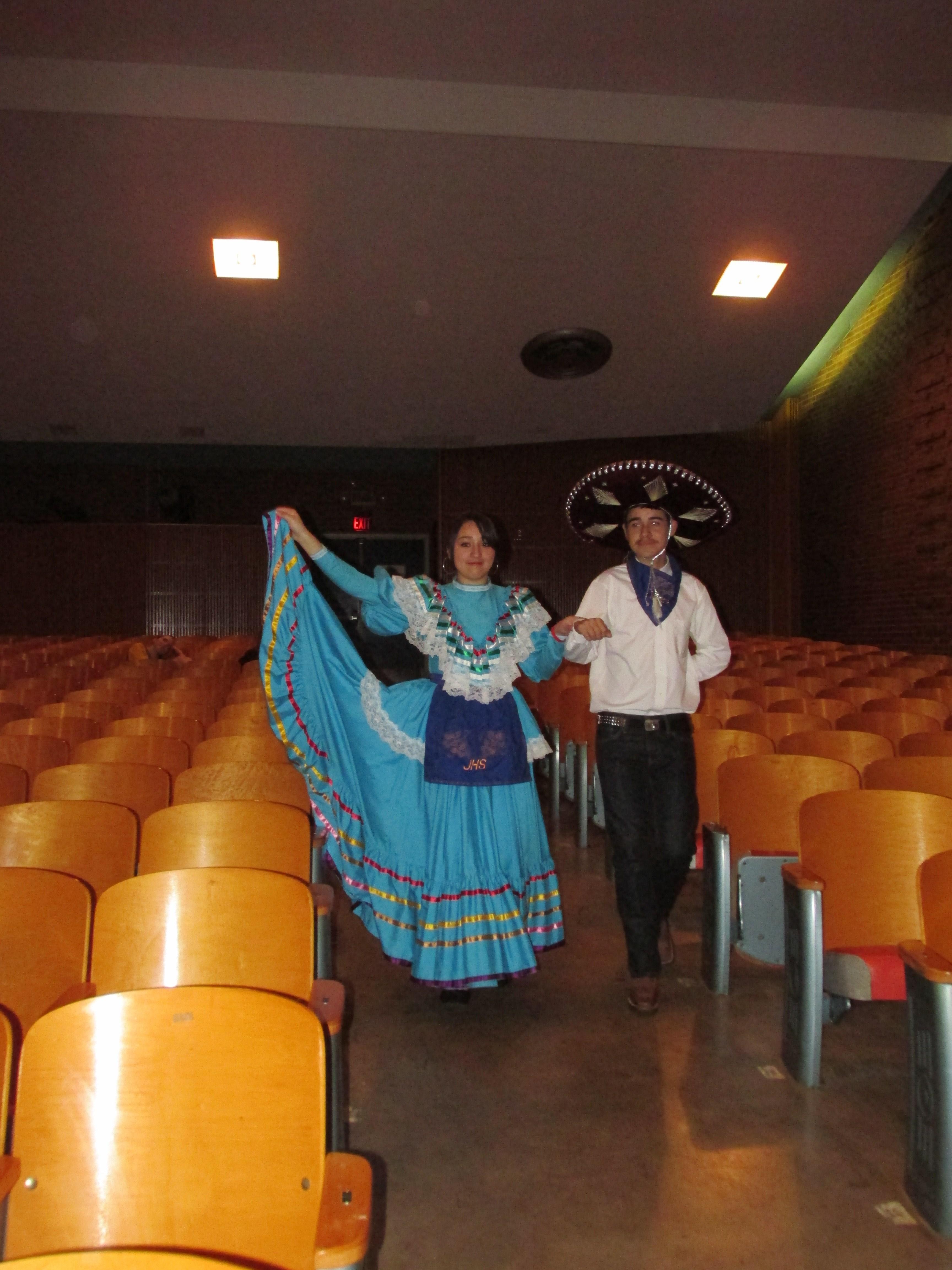 Folklorica Dancers