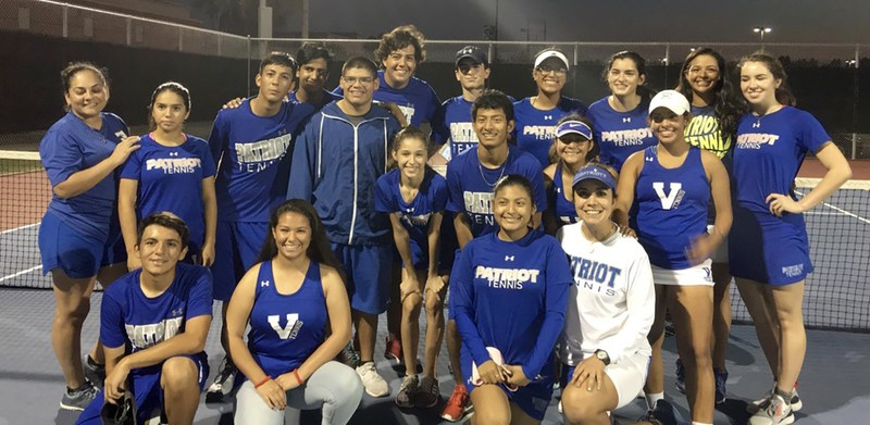 picture of the VMHS tennis team members.