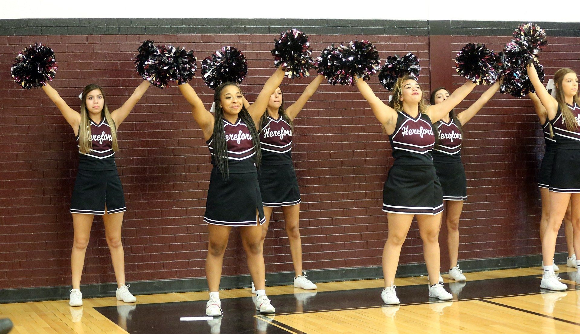 Varsity Cheerleaders Dumas Volleyball