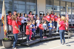 Jefferson students sing to the audience