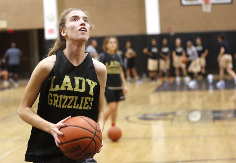 GV Girls Hoops Previewed by The Signal Featured Photo