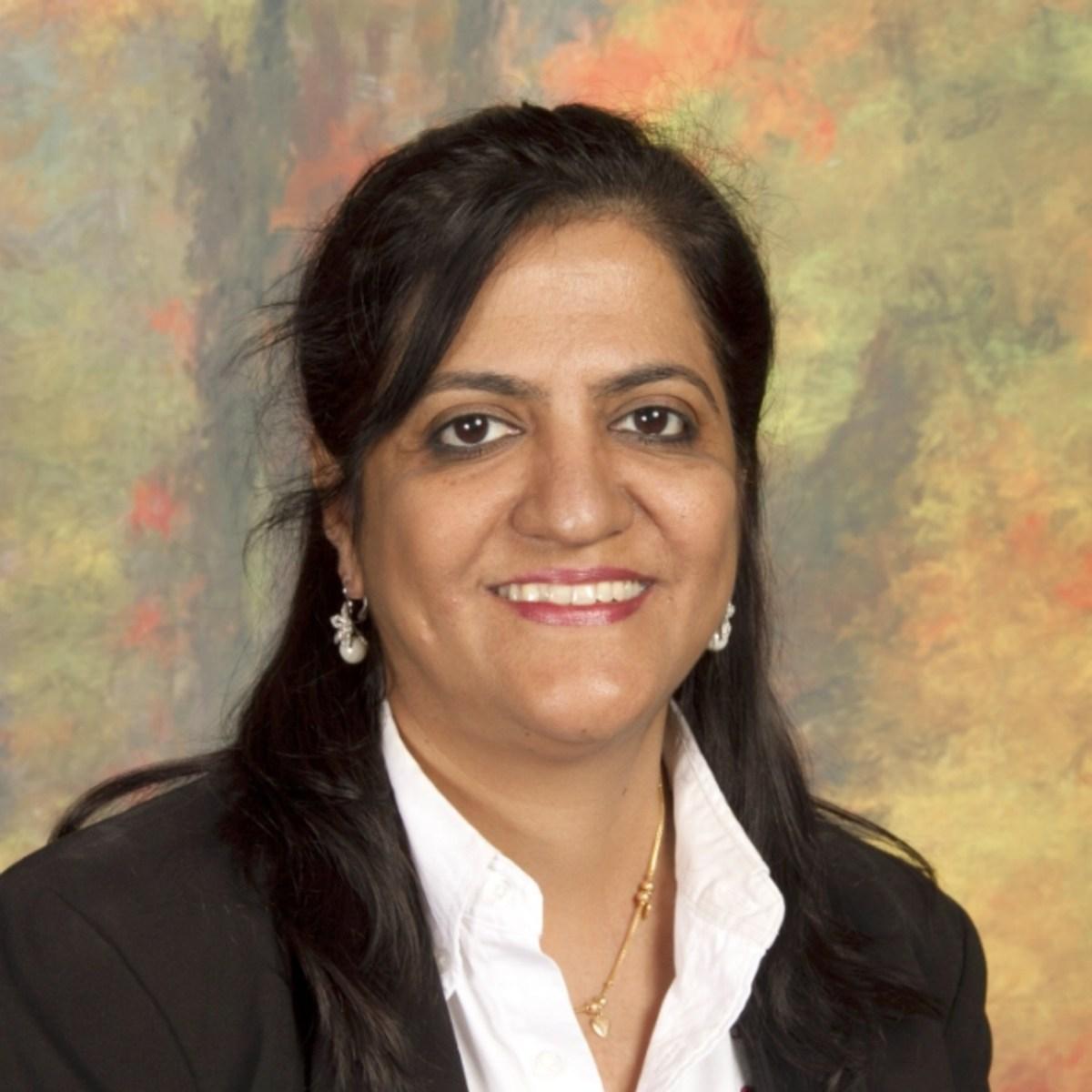 Background image Amrita Golani`s profile picture
