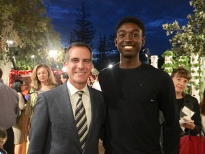 Serra Cavalier Kolby Warfield Poses with L.A. Mayor Eric Garcetti.JPG