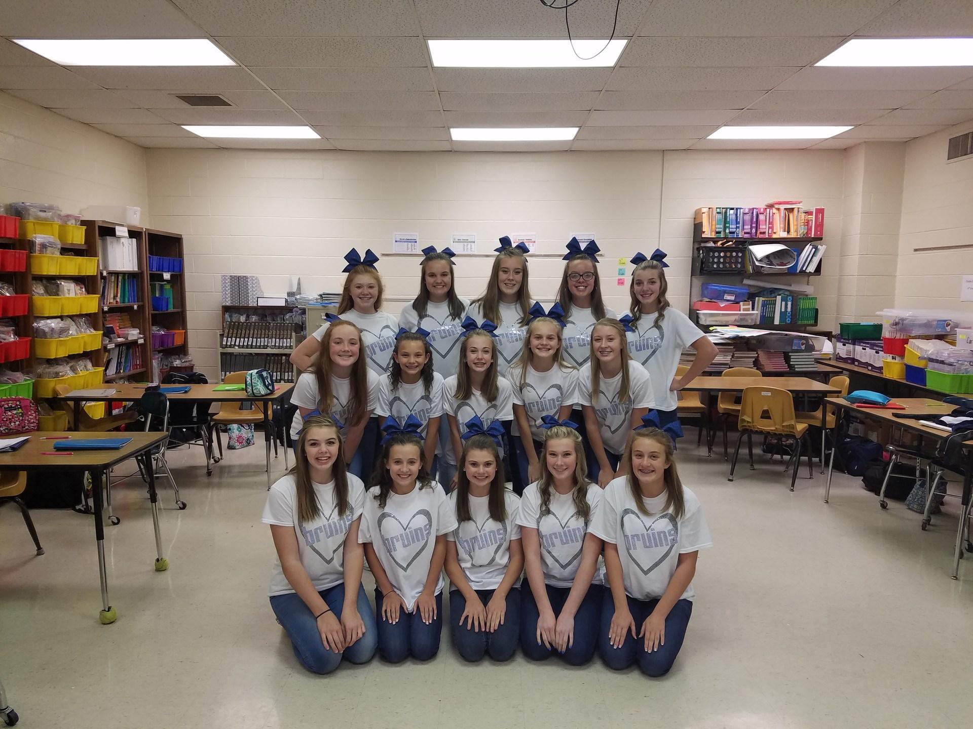 2017-2018 Cheerleading Team