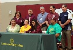 Gabby sign Laredo Community College Softball.JPG