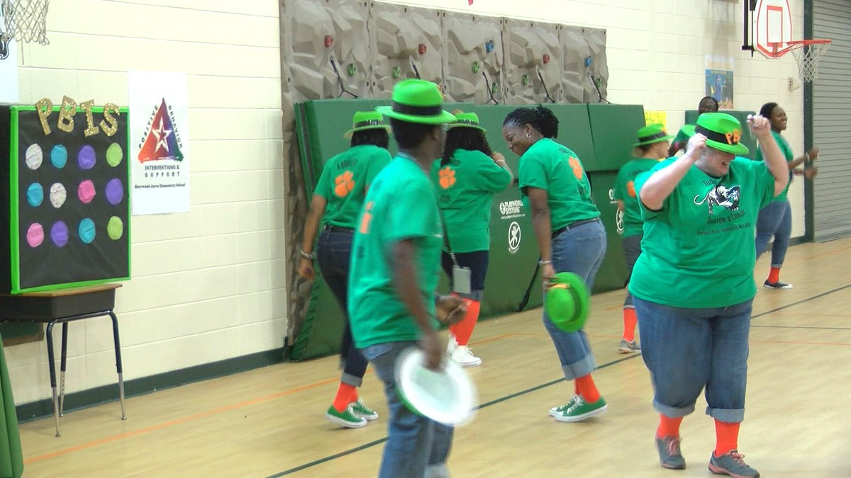dougherty county school system sherwood acres holds pep rally to promote good behavior