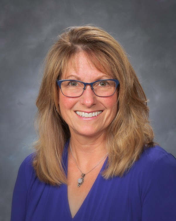 Picture of Moxee Elementary Principal, Liz Hockens.