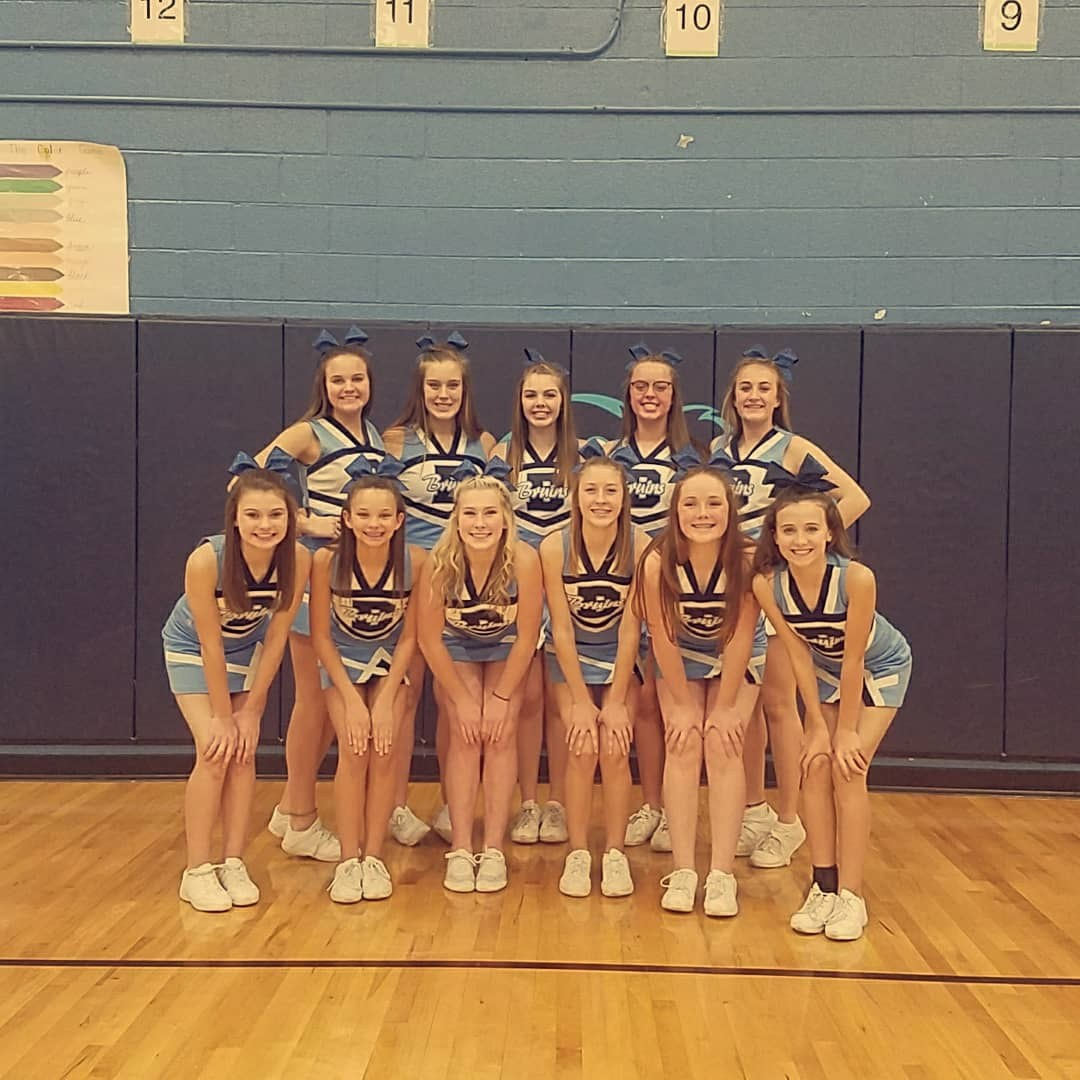 2017-2018 8th grade Cheerleaders