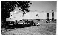 A photo of Mark Keppel High School.