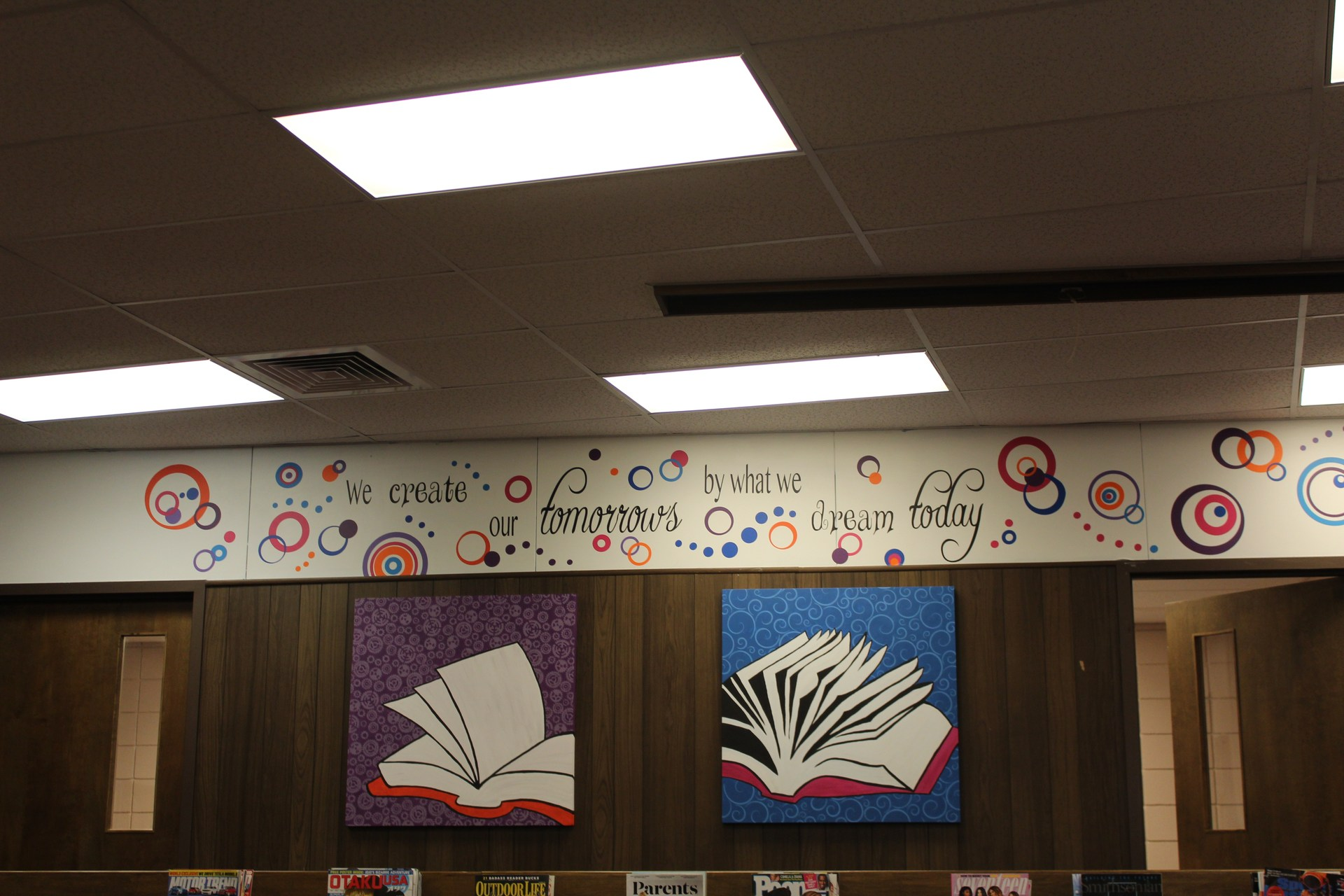 HHS Library Decor