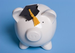 college piggy bank_1901541.jpg