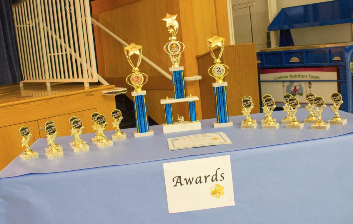 honor roll trophies