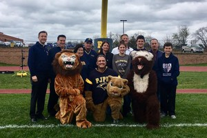 homecoming honorees and mascots.jpg