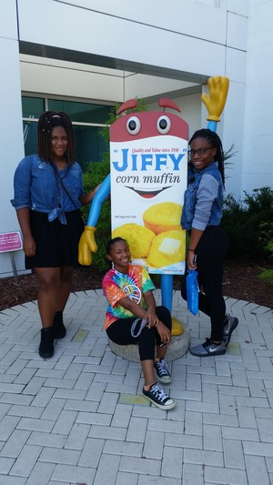 Students in front of Jiffy Mix mascot