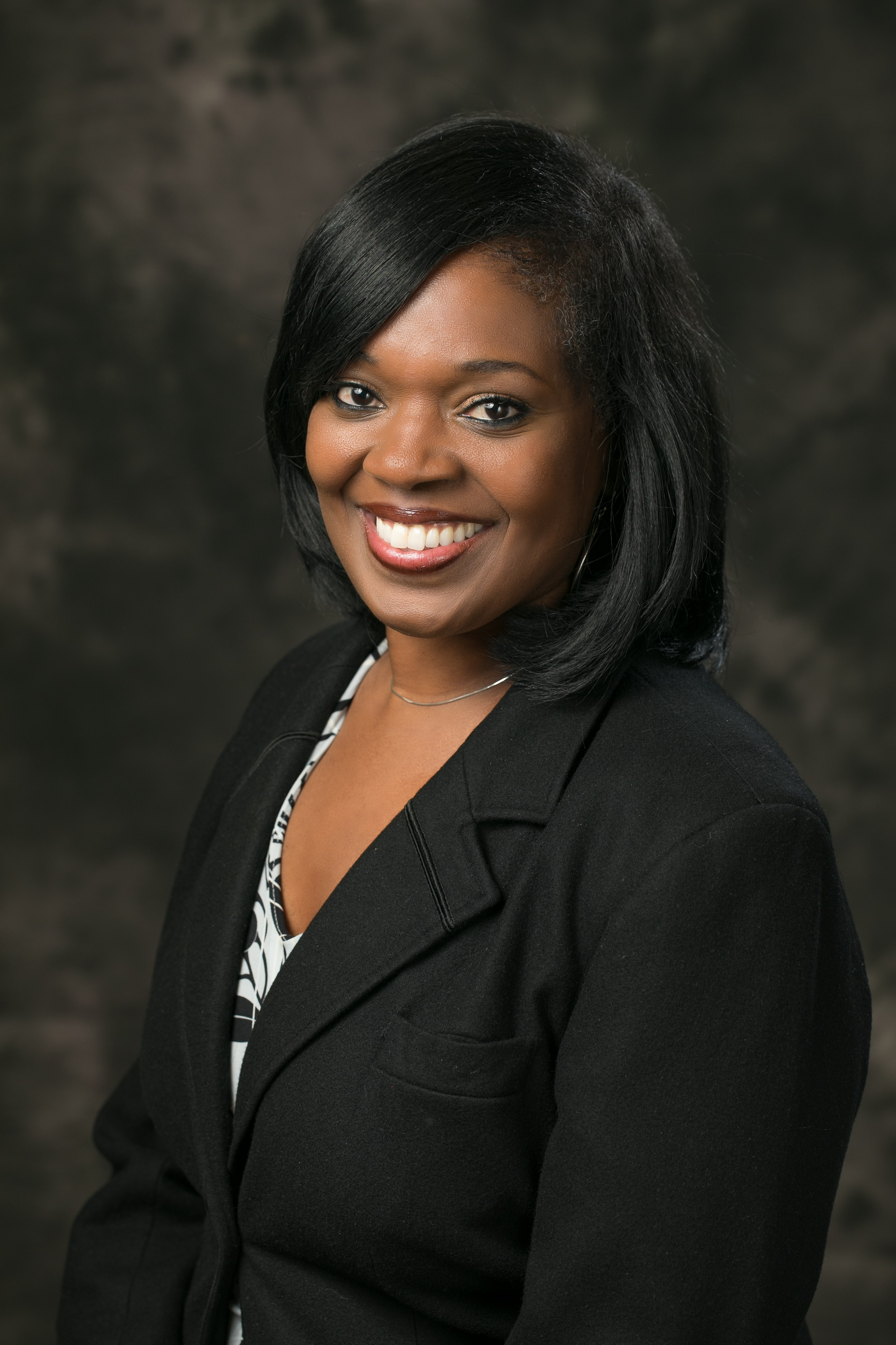 Picture of Deputy Superintendent Sharrece Farris smiling