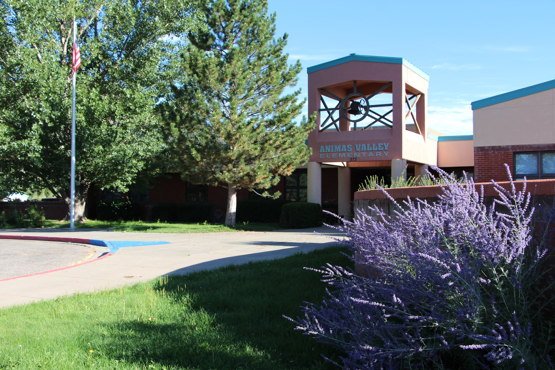 Exterior view of Animas Valley Elementary in the spring.