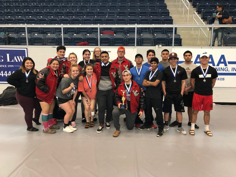 VWHS Powerlifting Compete to Win at Goliad Meet Thumbnail Image