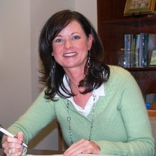 Elizabeth Murski's Profile Photo