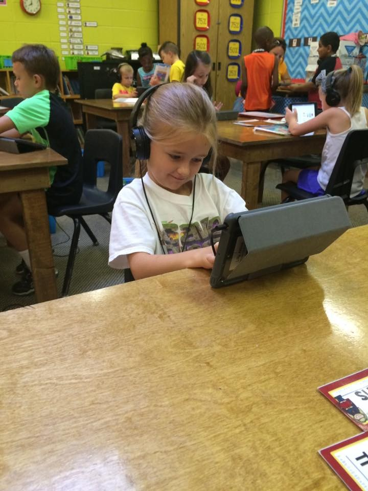 Student using an iPad to learn