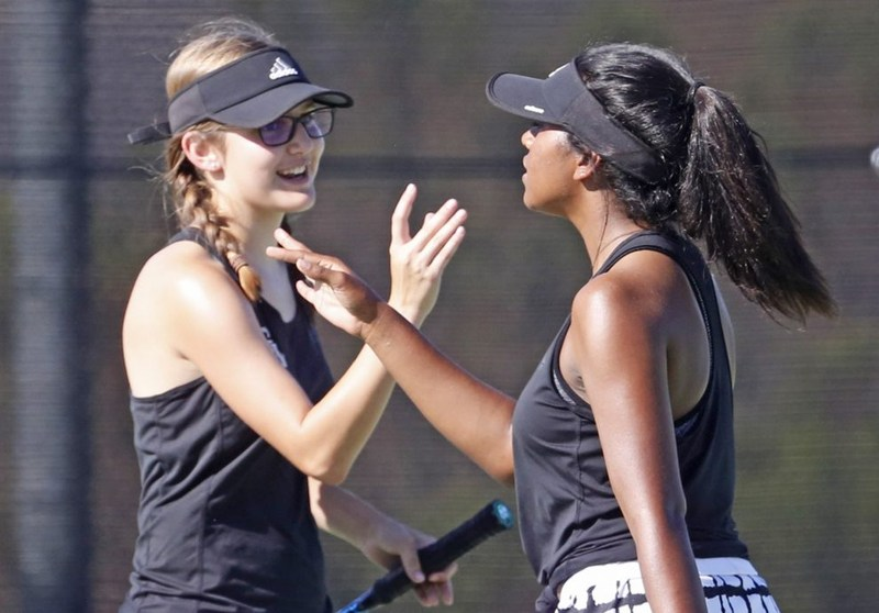 GV Girls Tennis Wins Featured Photo