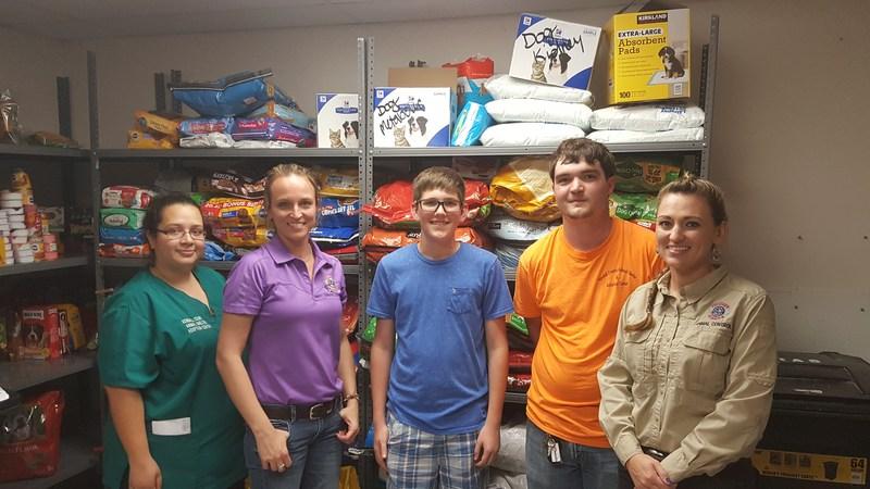 NJHS at Animal Shelter Delivering Food