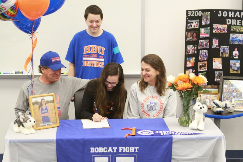 Johanna Drews Signs with Houston Baptist University Thumbnail Image