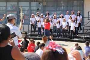 Jefferson choir performs for attendess